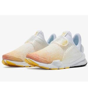 Nike Sock Dart N7 Athletic Shoes Sunset NWOB